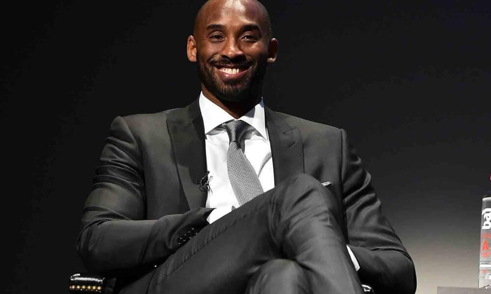Kobe Bryant Tells Worried Lakers Fans To 'Relax' About Team's Struggles