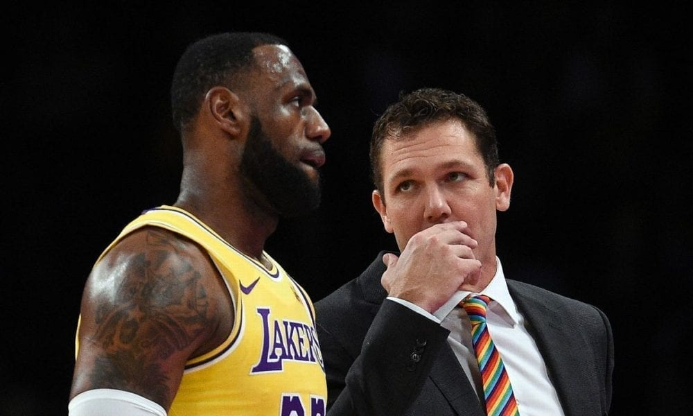 LeBron James Is Ignoring Luke Walton's Play Calls