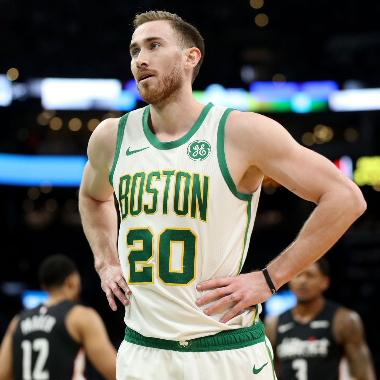 Gordon Hayward Signs 4-Year, $120 Million Deal With Hornets