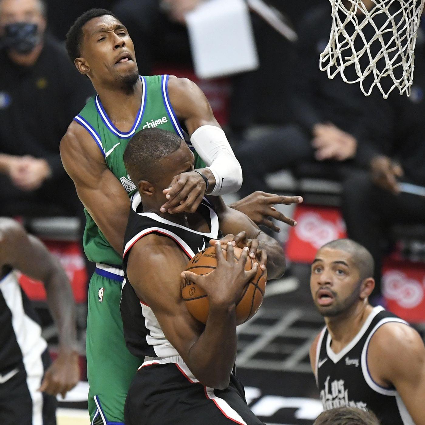 Dallas Mavericks Score Biggest Halftime Lead in NBA History