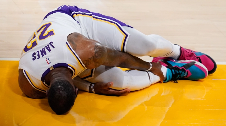 Lakers' LeBron James Out With High Ankle Sprain, Return Time Unknown