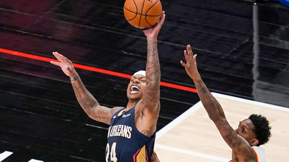 Isaiah Thomas Makes Debut With New Orleans Pelicans