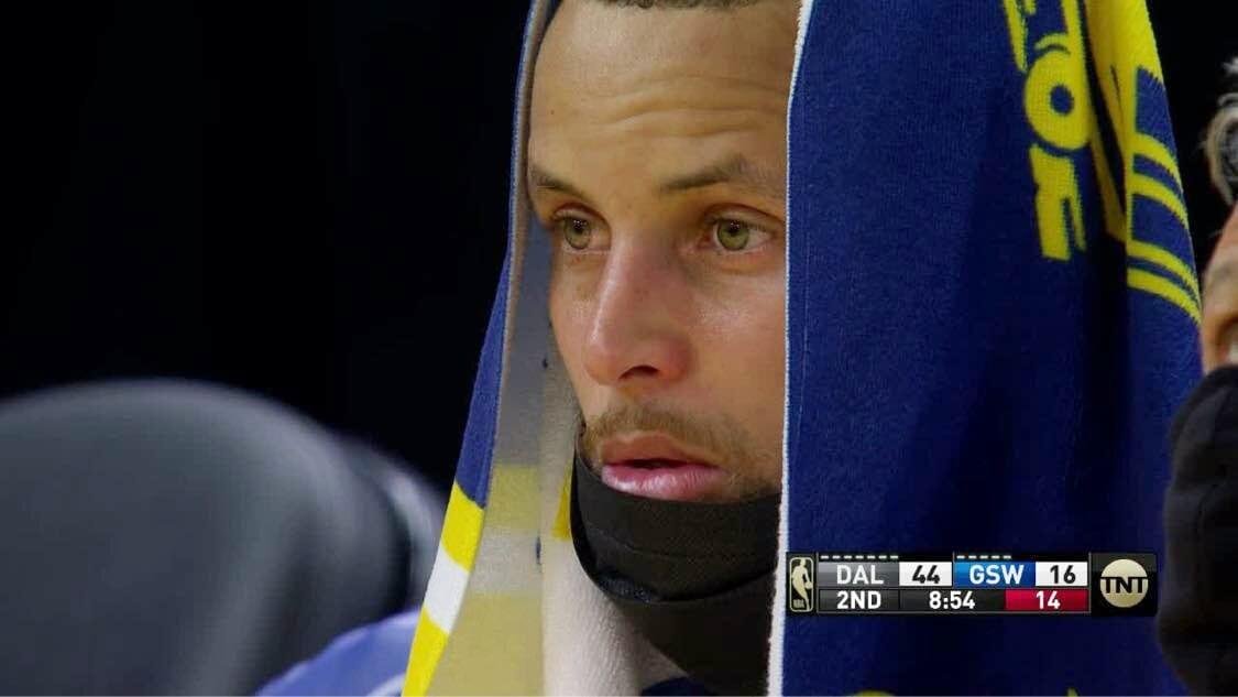 NBA World Roasts Warriors After Embarrassing Blowout Loss to Mavs
