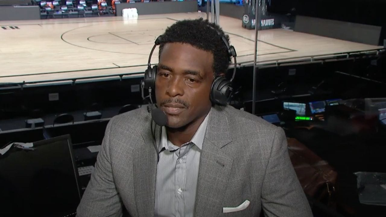 Chris Webber as an analyst for TNT