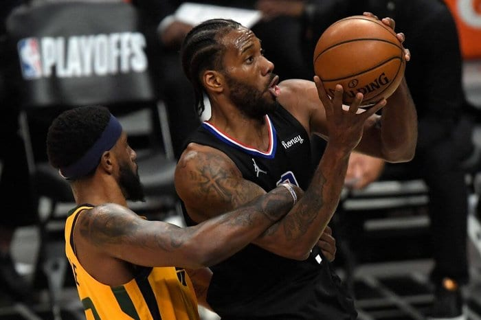 LA Clippers Kawhi Leonard Out with Possible ACL Injury