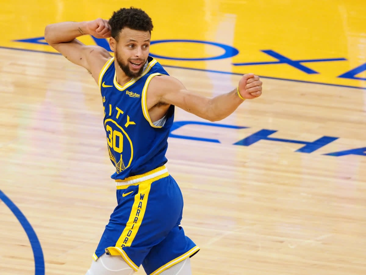 Steph Curry Torches 'Blazers in Last Game of Preseason